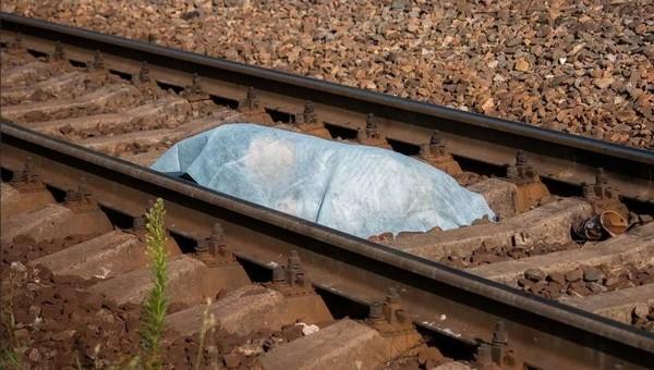 Двух мертвых девочек на рельсах обнаружили пассажиры электрички в Подмосковье