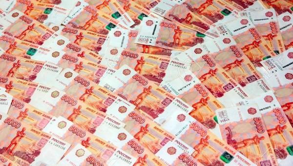 Минфин хочет раздать привившимся россиянам 100000000 рублей
