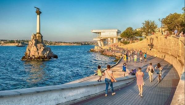 С сегодняшнего дня в Крыму изменились правила заселения туристов