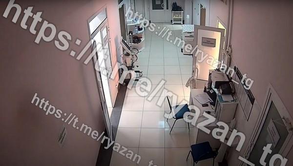 Опубликованы кадры начала пожара в больнице имени Семашко