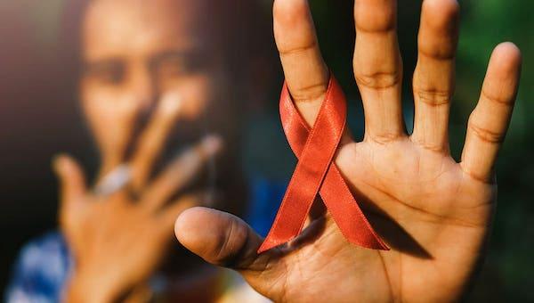 Мужчины в возрасте за тридцать - основные носители ВИЧ
