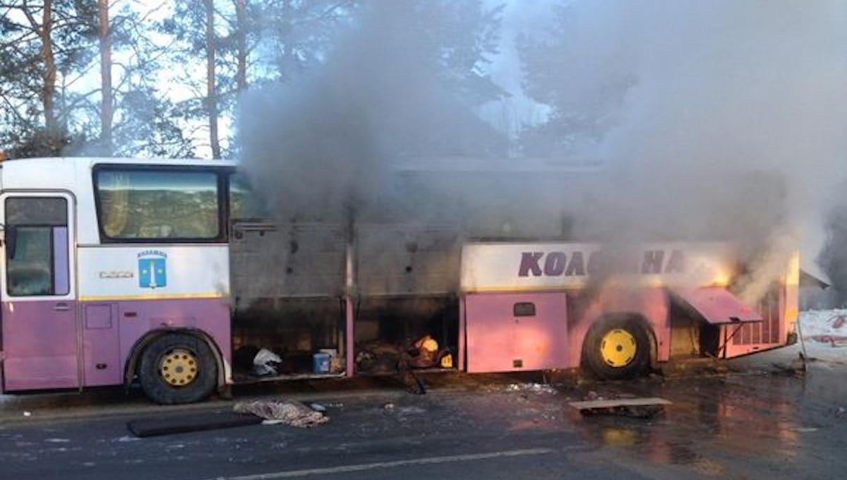 В Подмосковье вспыхнул автобус с детьми