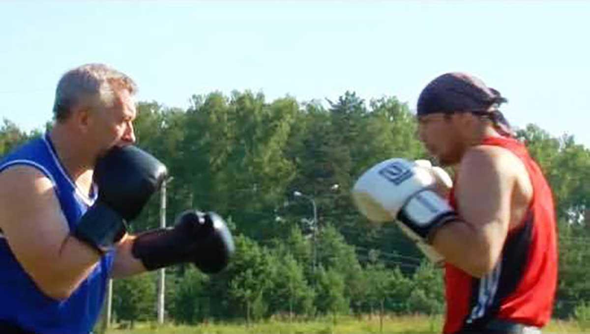 Легендарный боксер Чудинов начал тренировать жителей Серпухова