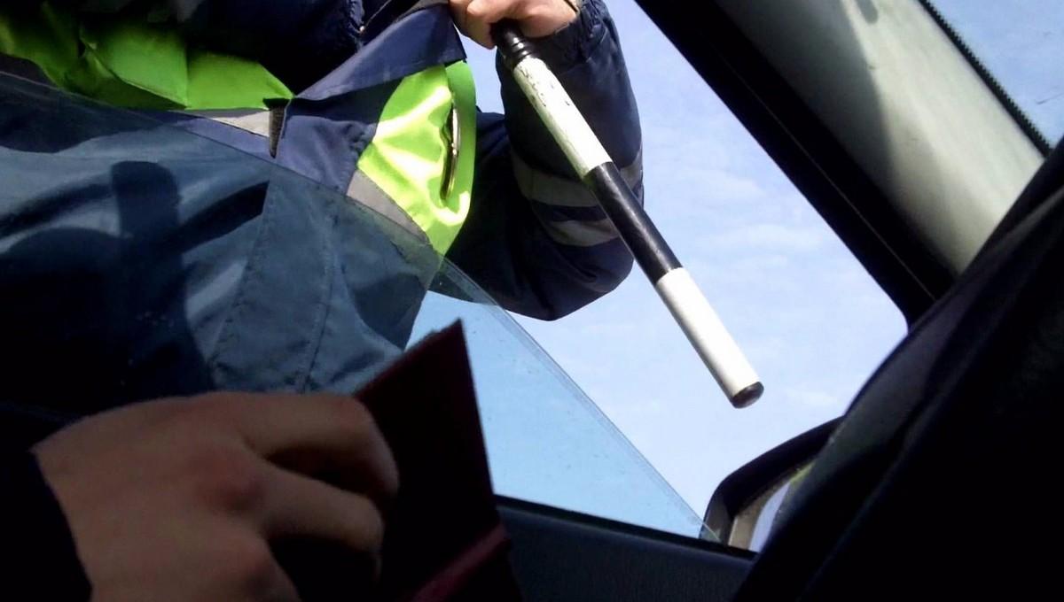 Теперь у водителей при определенных обстоятельствах не смогут проверить документы