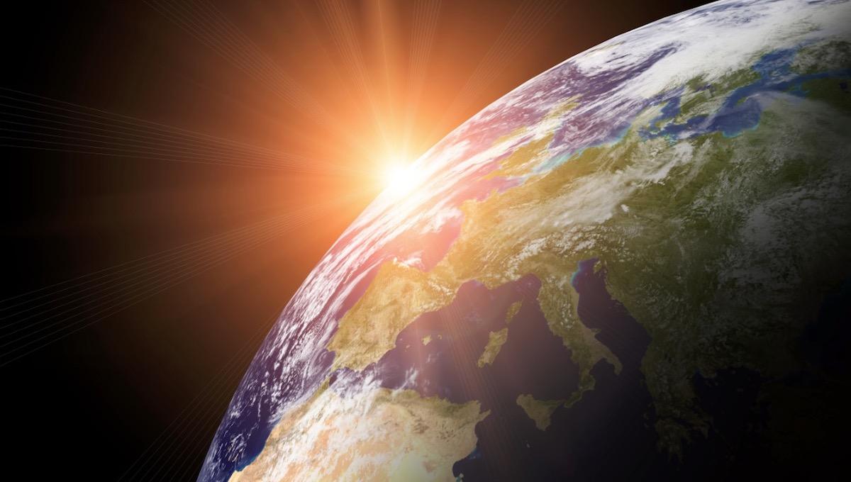 Со дня на день Солнце устроит земле радиовзбучку
