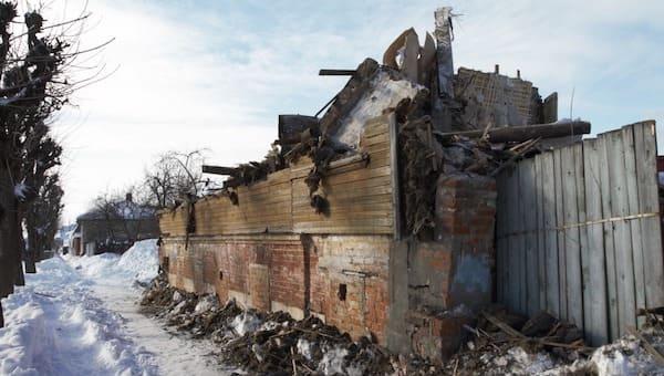 В Серпухове снесли двухсотлетний дом