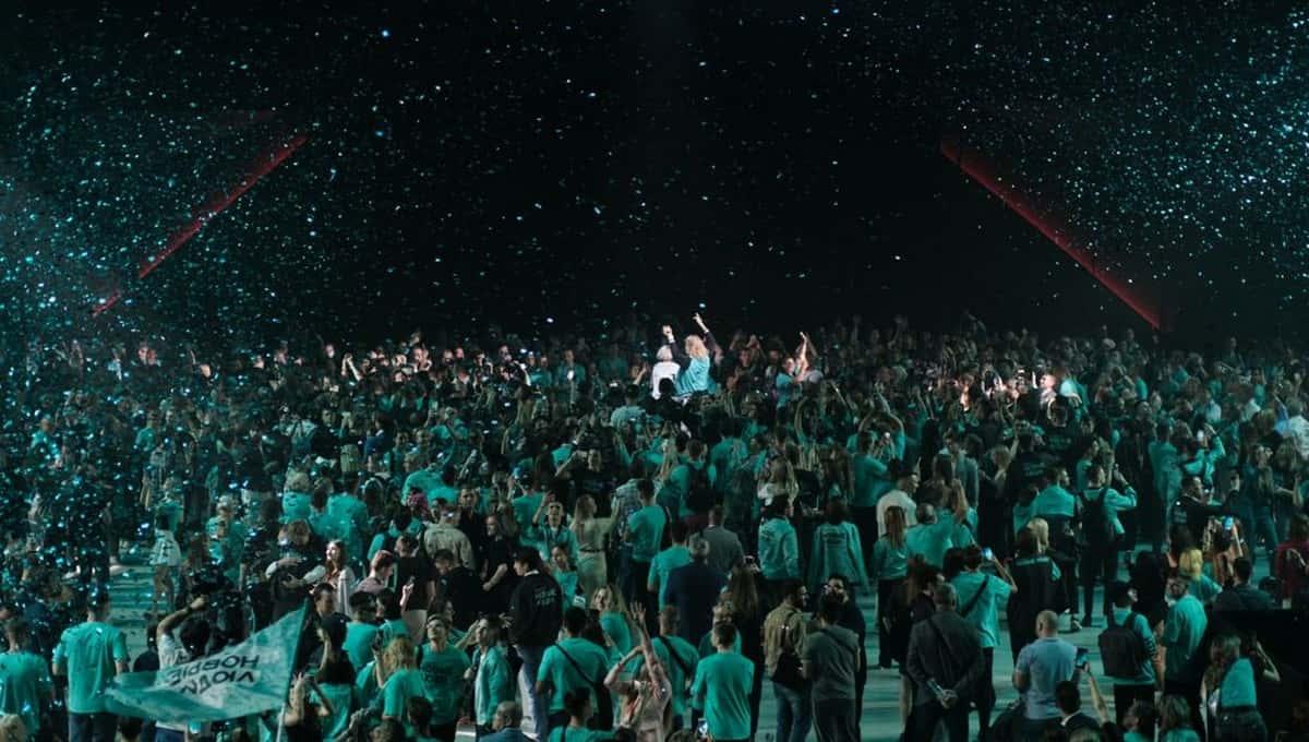 Партия «Новые люди» первой в России провела съезд-перфоманс