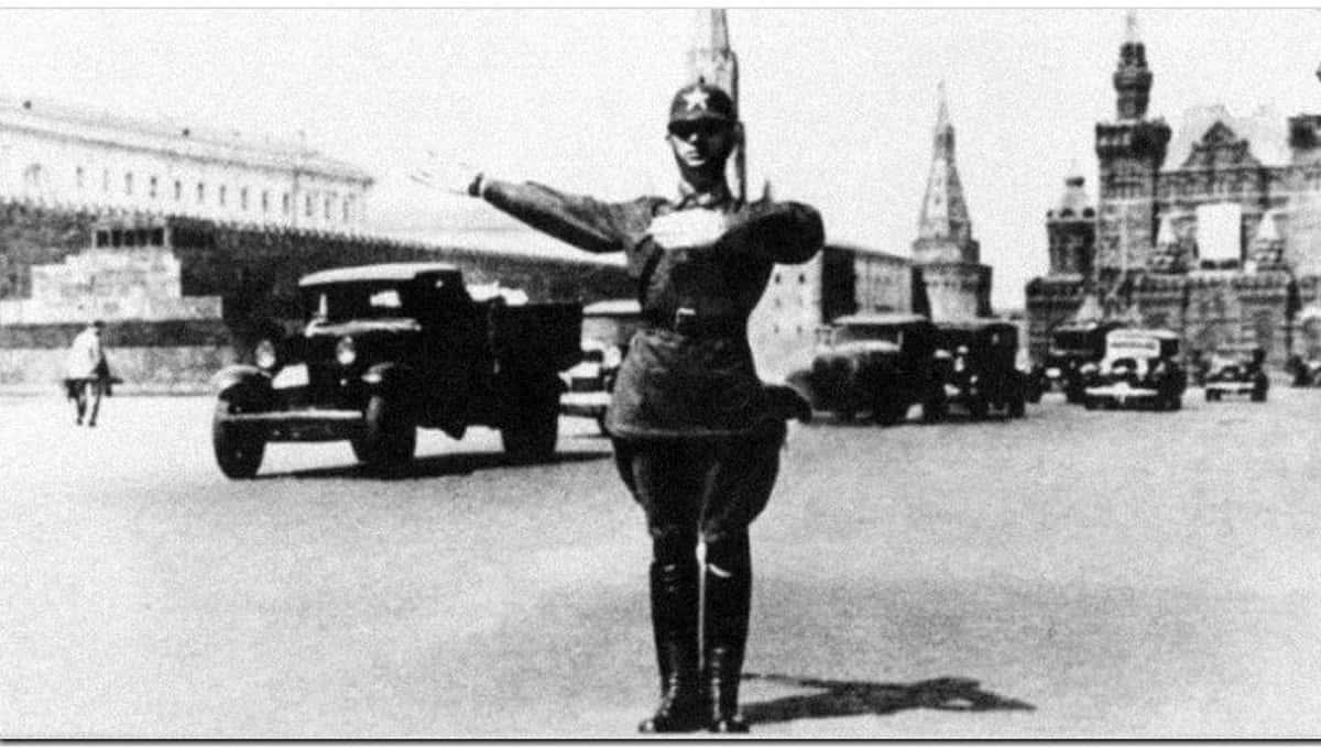 К юбилею ГИБДД в России сотрудники ведомства снимают видео-поздравления