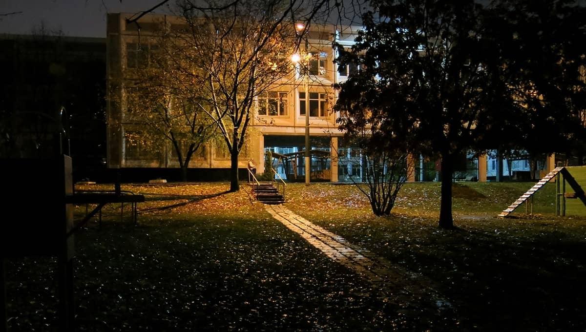 Маленький город в шоке: учащиеся устроили оргию в школьном дворе