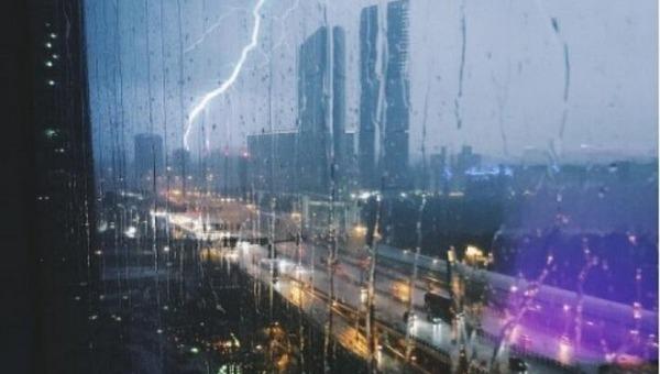 Столичный регион накроет гроза, дождь и сильный ветер
