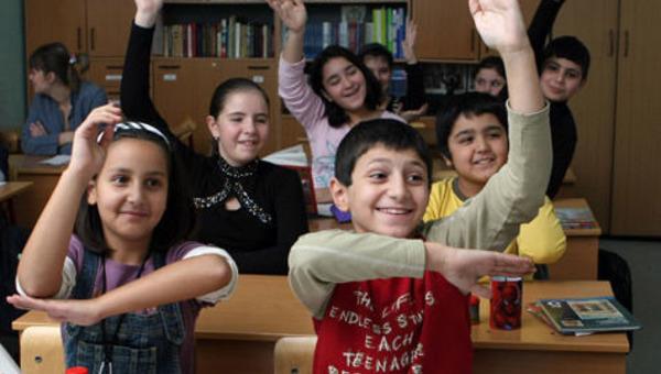 Президент призвал контролировать детей мигрантов