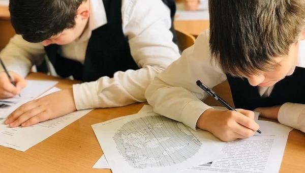 Президент поручил внести в школьную систему изменения