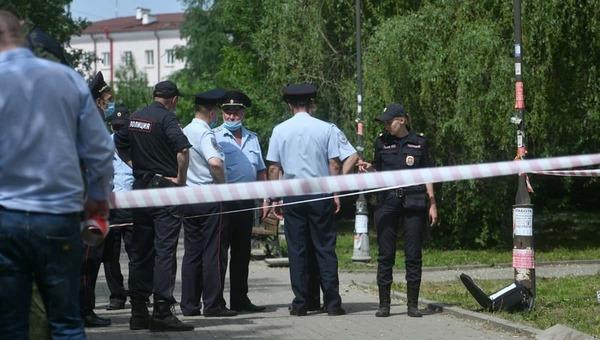 В крупном российском городе мужчина напал на прохожих с ножом