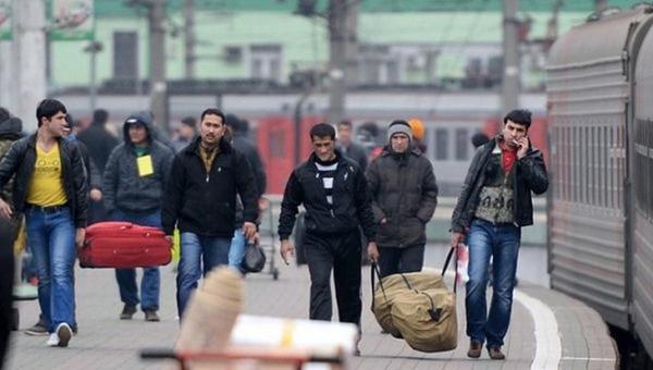 В Россию вернут десятки тысяч мигрантов