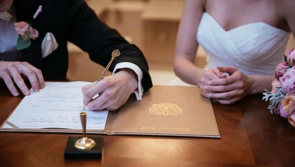 Россияне стали жениться по-новому