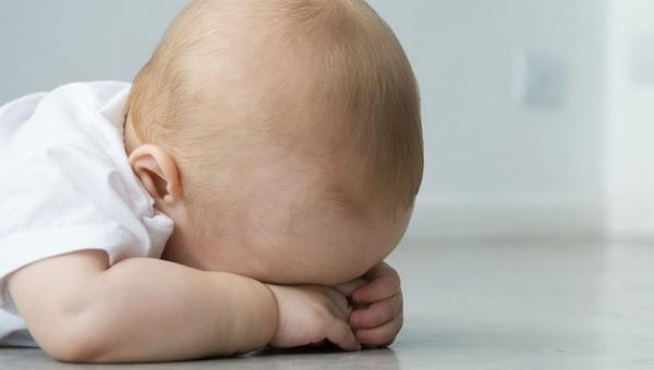 «Это твои проблемы»: мать оставила ребенка в гостинице