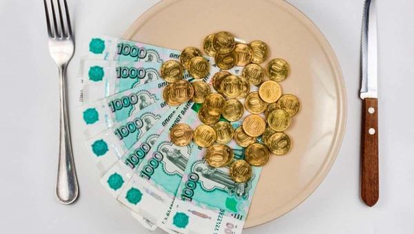 Россиянам начнут выдавать деньги на еду?