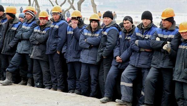 Таджики начнут получать пенсию из российского ПФР