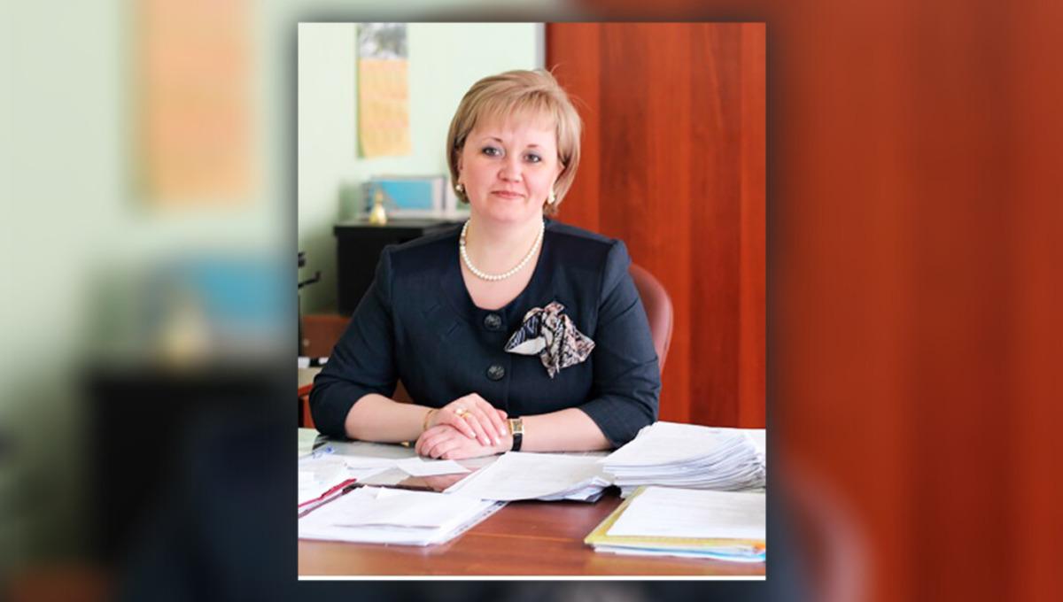 Директор школы и депутат «ЕР» устраивала на работу «мертвые души»