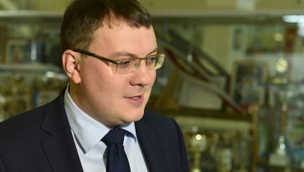 Мэр российского города выписал благодарность за взыскания в отношении самого себя