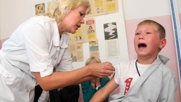 Будут ли прививать детей от коронавируса?