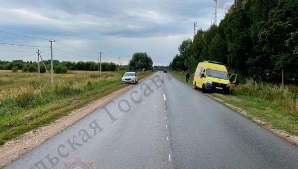 Полиция ищет водителя фургона, сбившего на дороге подростка