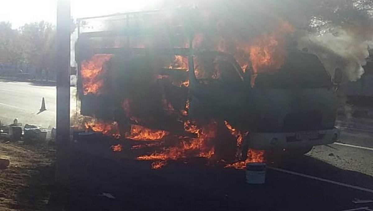 В Серпухове вспыхнул грузовик дорожной службы