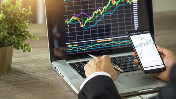 Как Ассоциация форекс-дилеров влияет на ситуацию в российском сегменте валютного рынка?