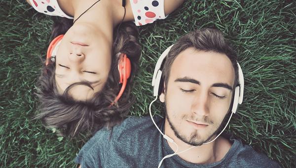 Почему музыкальные произведения похожи друг на друга?