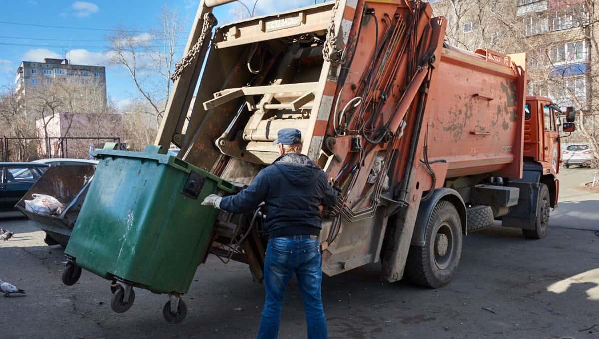 Суд приговорил водителя мусоровоза, раздавившего своего напарника