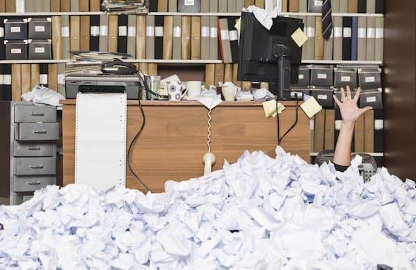 В суде Серпухова стали часами обрабатывать корреспонденцию