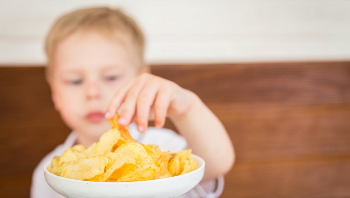 Любимейшие детьми продукты оказались опасны