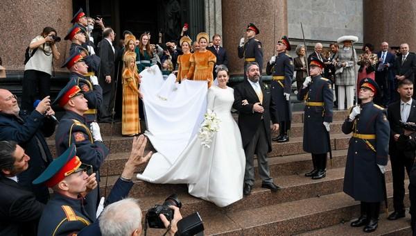В Петербурге состоялось венчание наследника Романовых