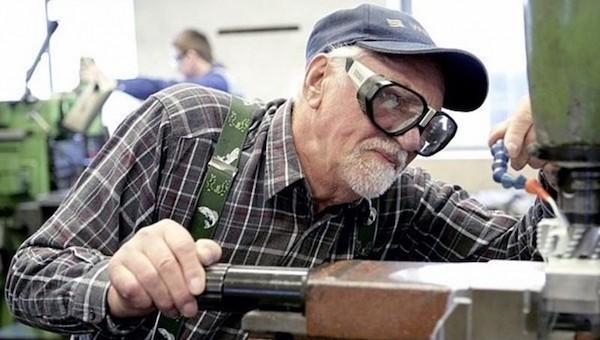 В Госдуму внесен законопроект о снижении пенсионного возраста