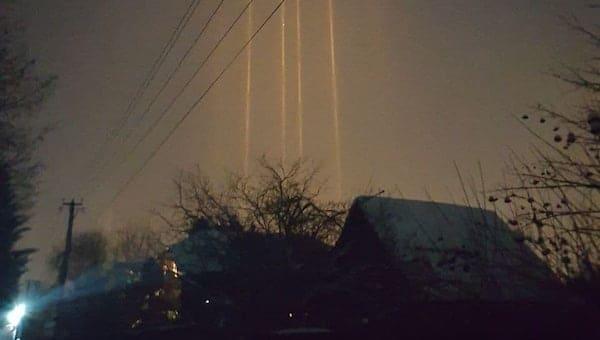 Над Чеховом появились «световые столбы»