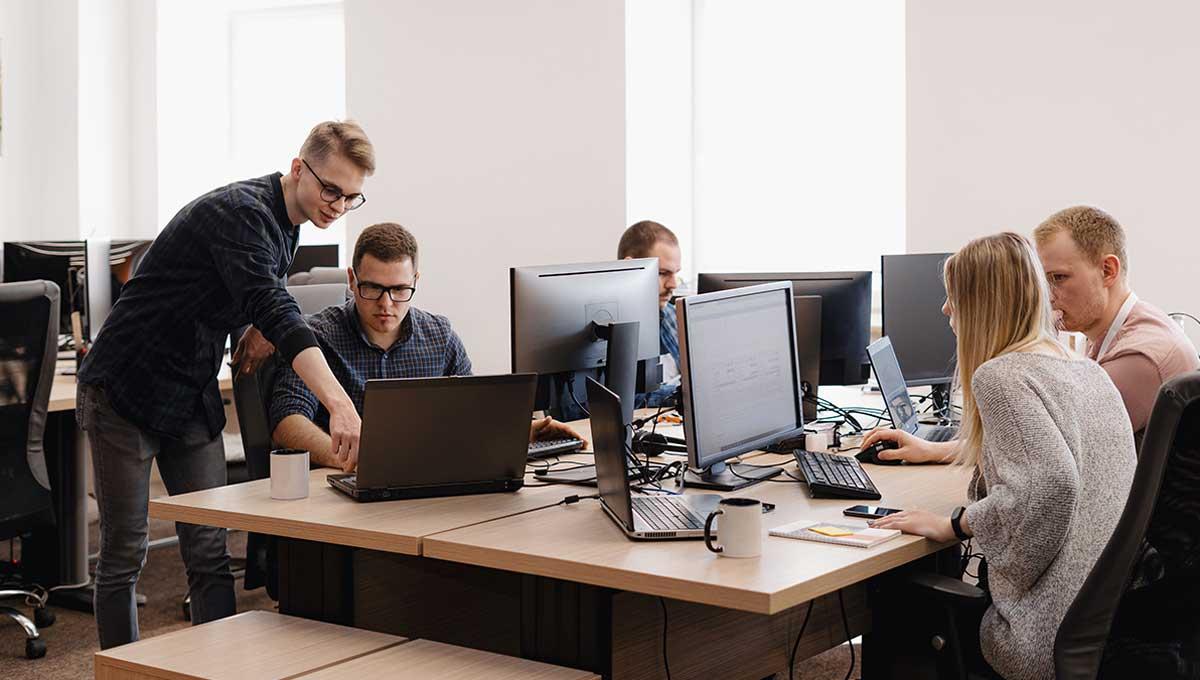 В офисы московских бизнес-центров вернулись 70% сотрудников