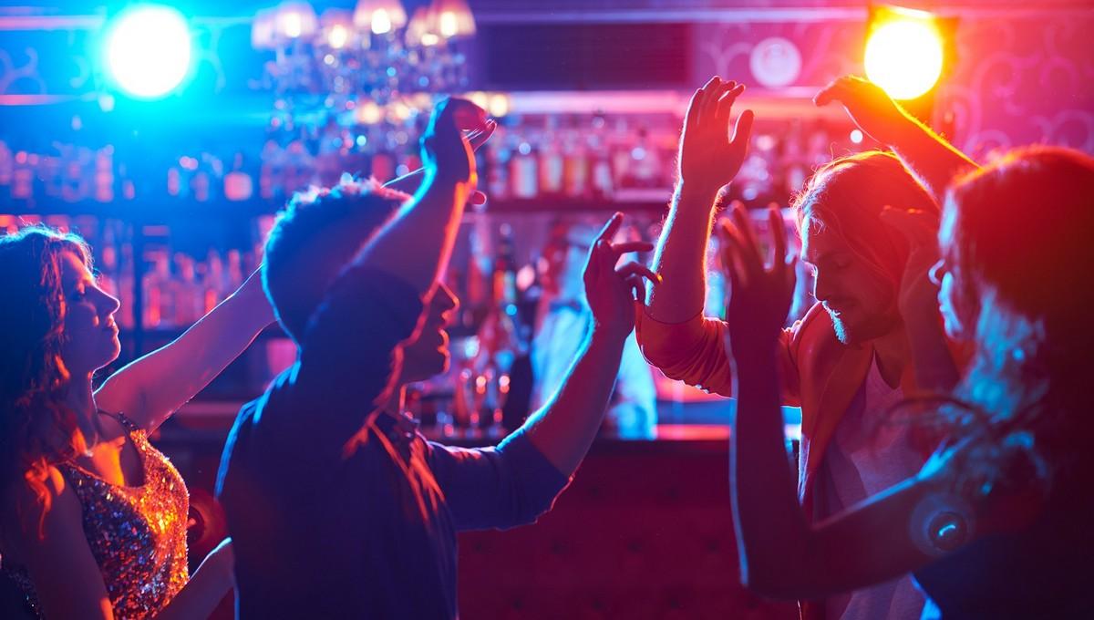 Первокурсница в ночном клубе лофт ночной клуб
