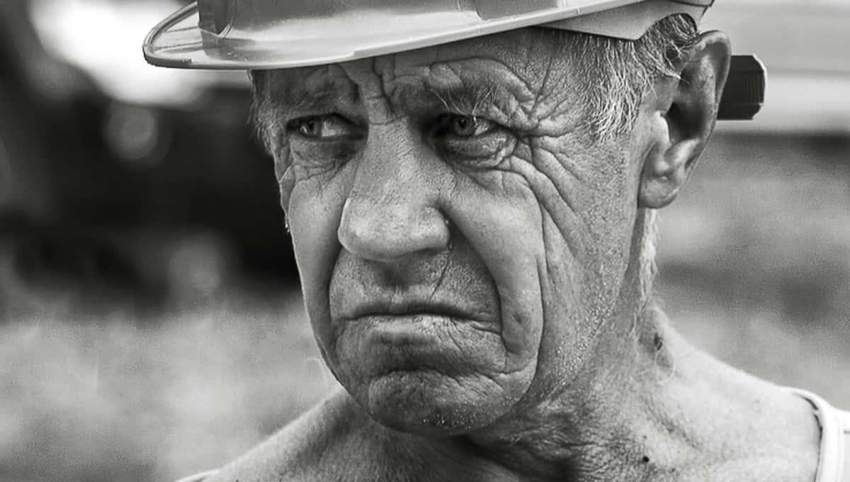 Пенсионеров предложено направить… на стройки страны
