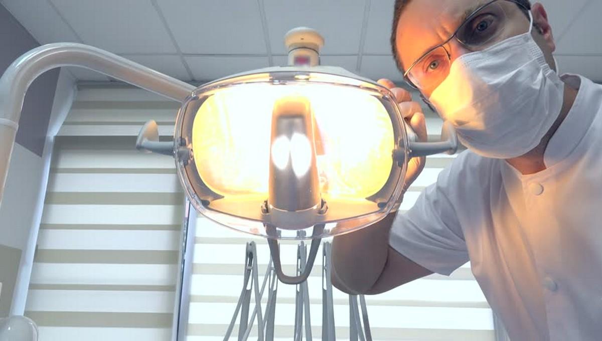 Пенсионерке сломали челюсть в… стоматологии