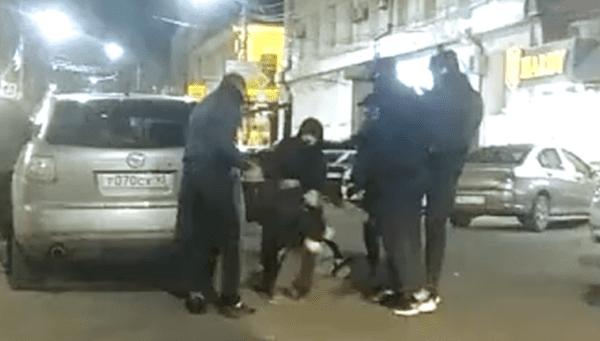 Южане избили парней, танцующих лезгинку посреди улицы